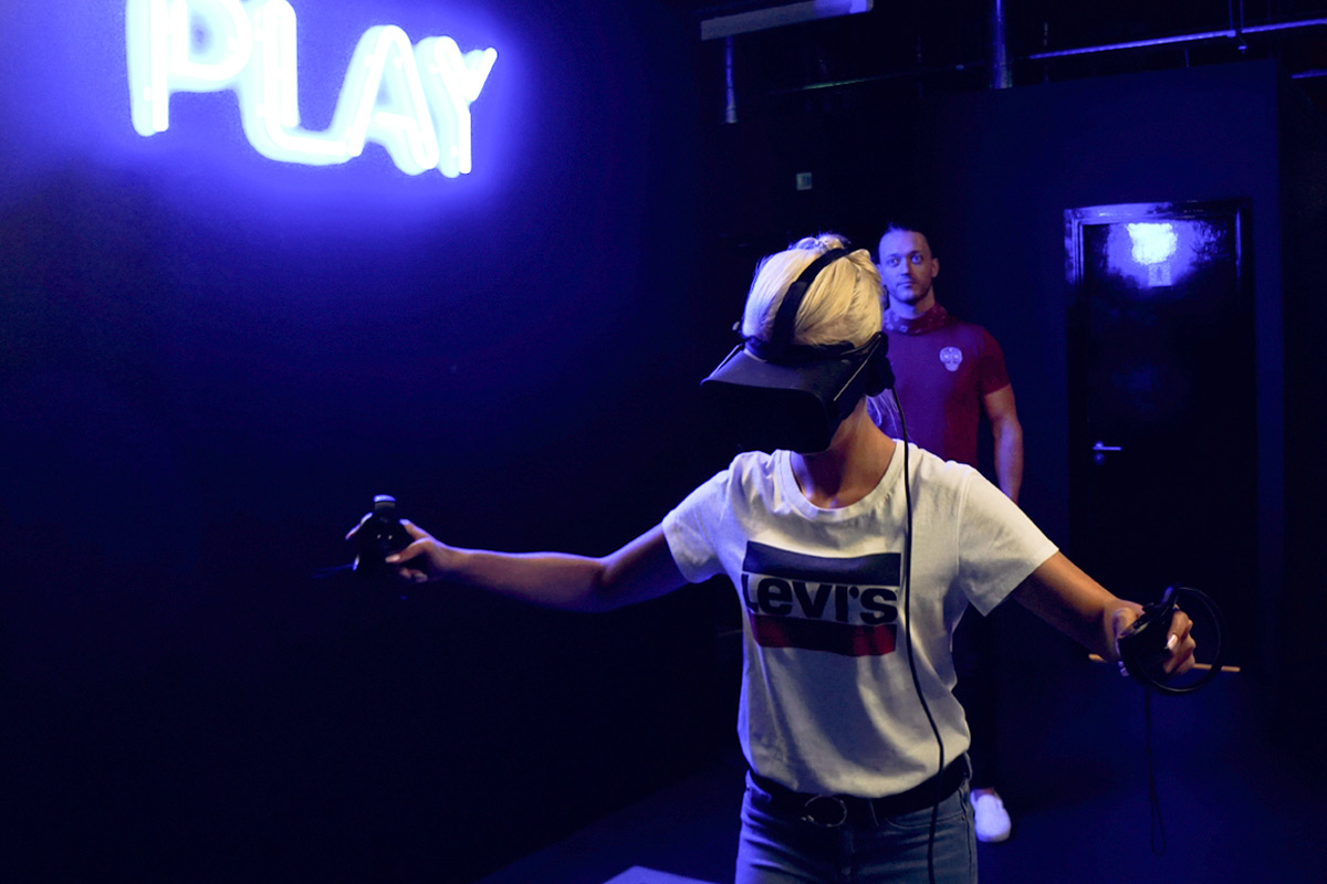 Alien Defence Free-Roam VR Experience for Two