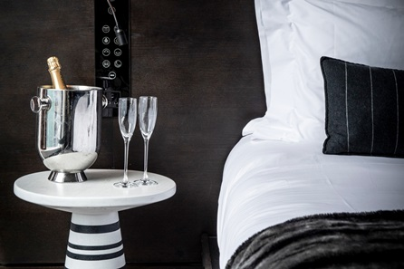 Luxury 5* London One Night Break with Champagne for Two at South Place Hotel
